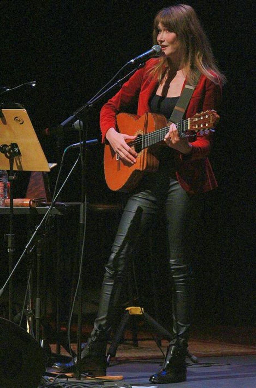 Carla Bruni-Sarkozy lors de son concert à Sao Paulo au Brésil le 26 août dernier.
