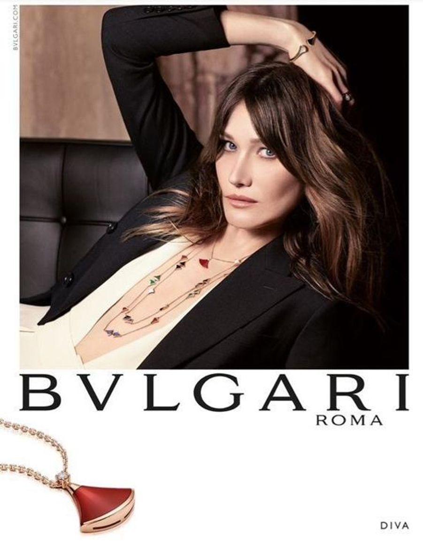 Carla Bruni-Sarkozy prête son image à Bvlgari pour la campagne publicitaire automne-hiver 2015-2016.