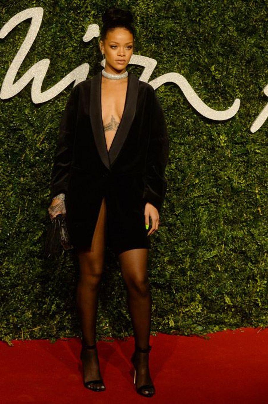 En Stella McCartney pour les British Fashion Awards à Londres, le 1er décembre 2014