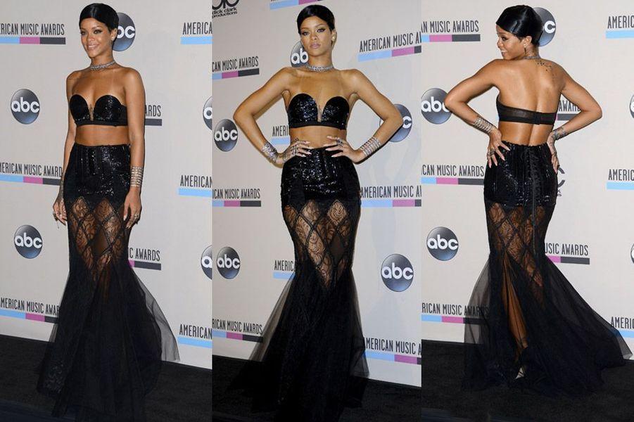 Sexy en transparence lors des American Music Awards à Los Angeles, le 24 novembre 2013