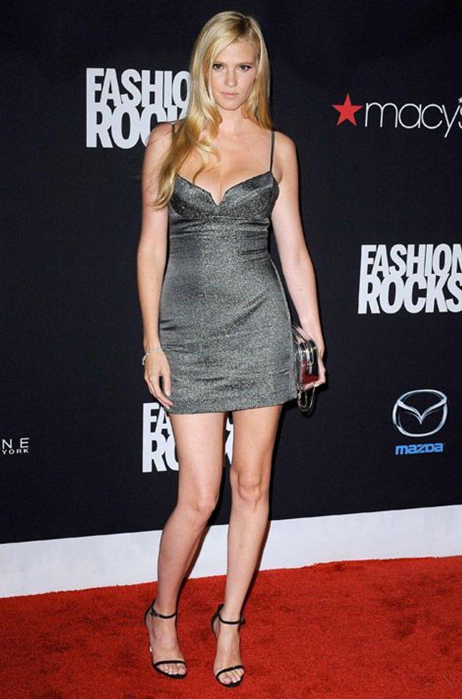 L'actrice Lara Stone en Calvin Klein lors de la soirée Fashion Rocks, à New York, le 9 septembre 2014