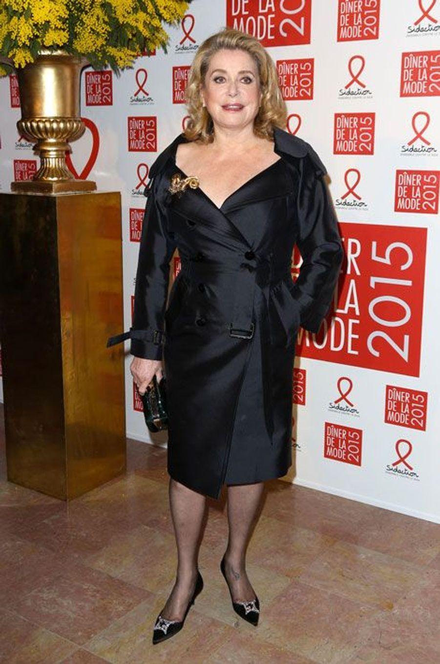 Catherine Deneuve au dîner de la mode du Sidaction, le 29 janvier 2015 à Paris