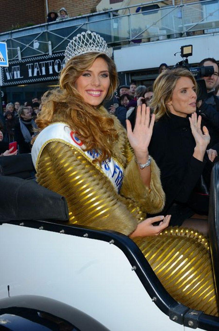 Camille Cerf, Miss France 2014, retourne chez elle, dans le Nord-Pas-de-Calais, le 21 décembre 2014