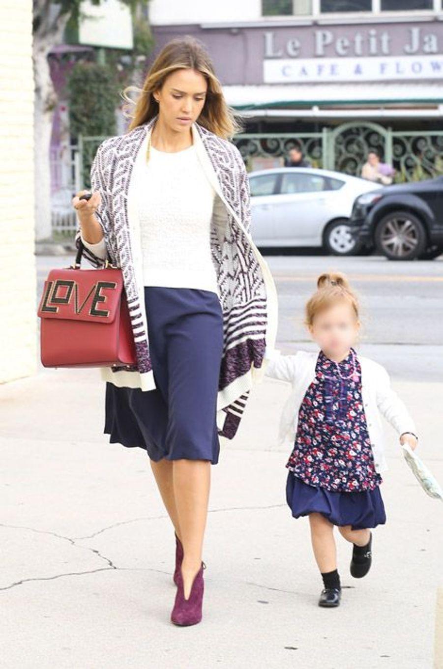 Jessica Alba et sa fille, Haven, à Los Angeles, le 21 décembre 2014