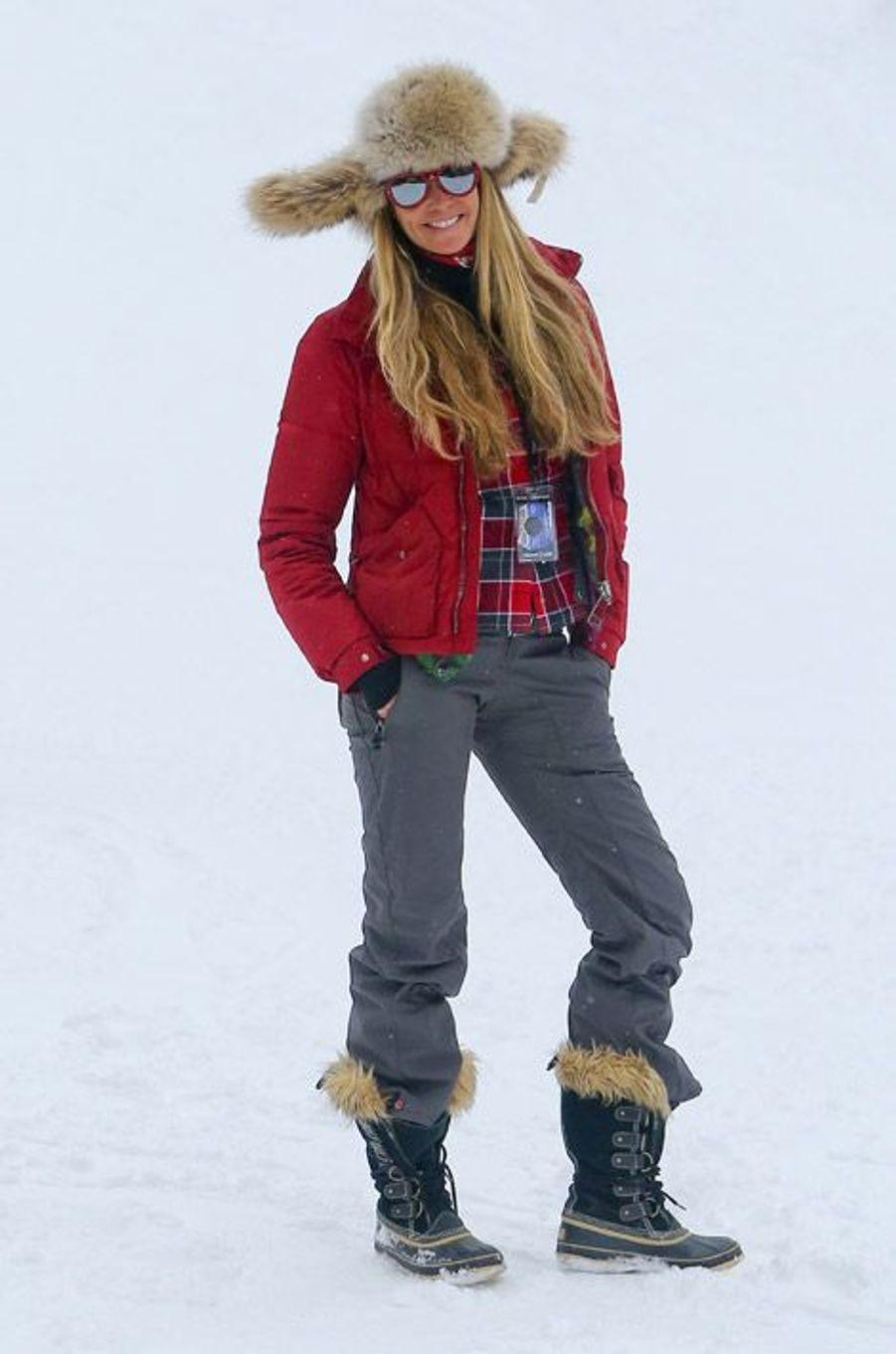 Le mannequin Elle Mcpherson à Aspen, le 22 décembre 2014