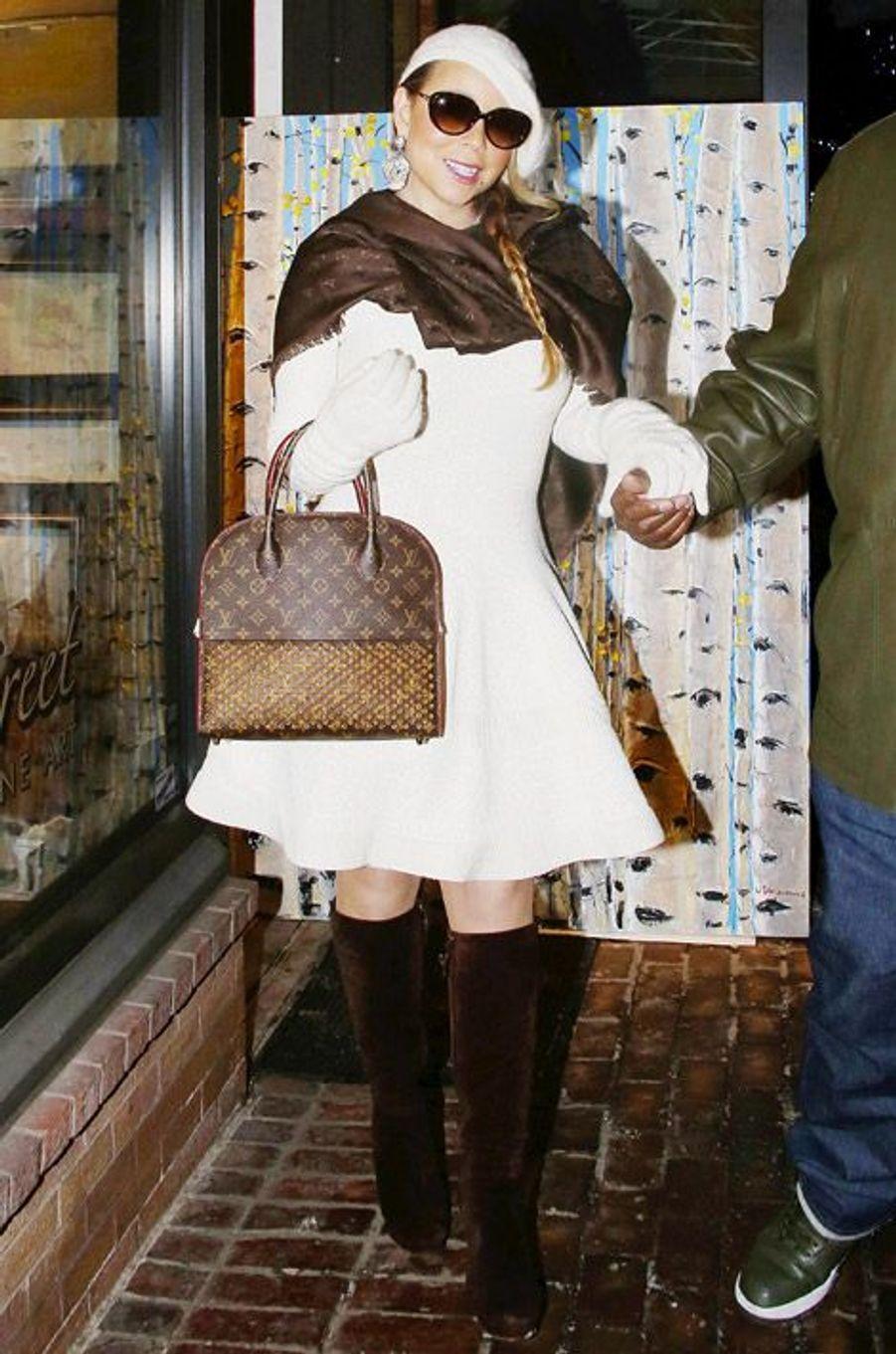 Mariah Carey fait du shopping à Aspen, le 27 décembre 2014