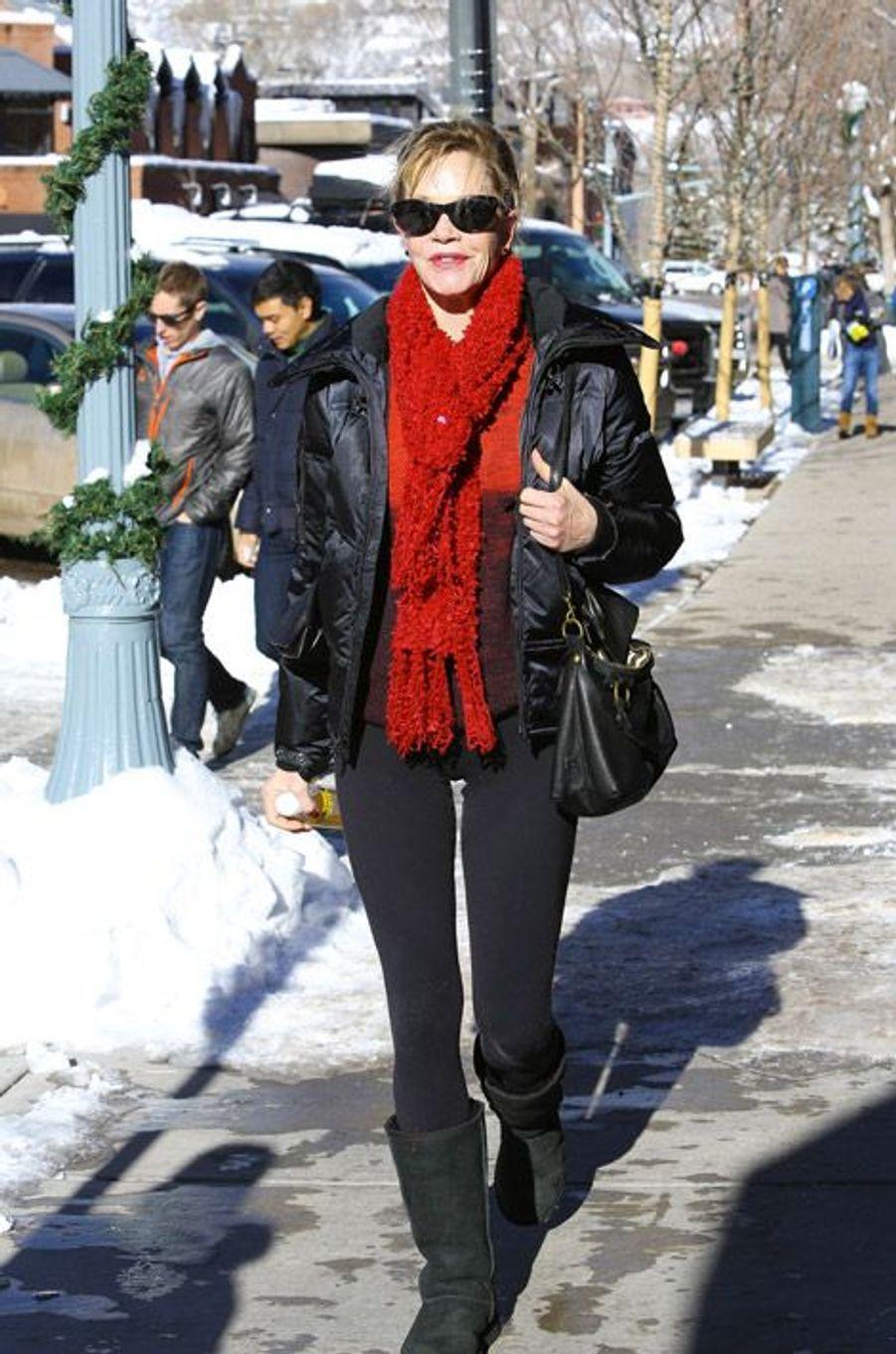 Melanie Griffith dans les rues d'Aspen, le 24 décembre 2014