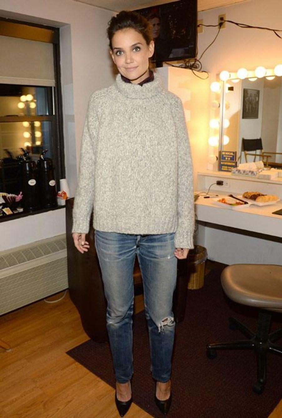 L'actrice Katie Holmes, élégante et décontractée à New York le 10 novembre 2014 avant un passage à la télévision