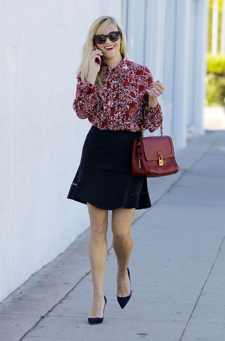 L'actrice américaine Reese Witherspoon dans les rues de Los Angeles, le 5 novembre 2014