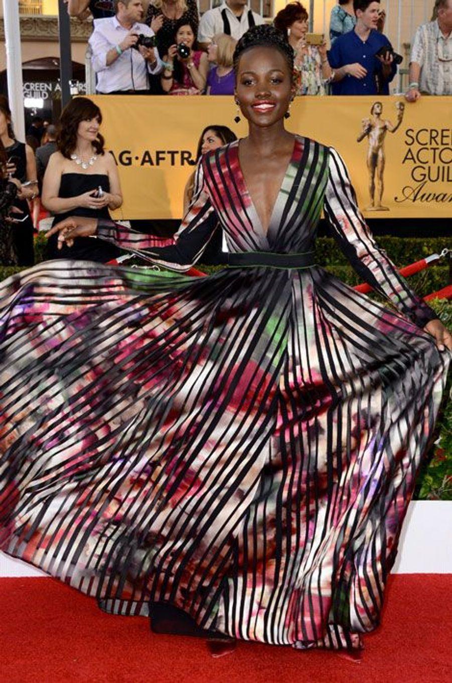L'actrice Lupita Nyong'o en Elie Saab lors de la cérémonie des Actors Guild Awards à Los Angeles, le 25 janvier 2015