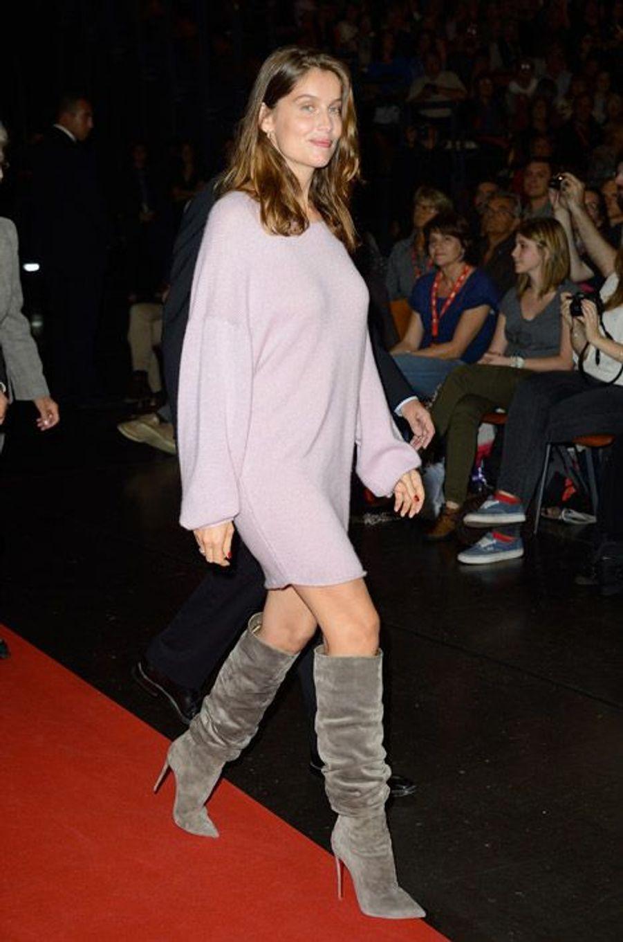 L'ancien mannequin Leatitia Casta en robe pull pour l'ouverture du Festival Lumière à Lyon, le 13 octobre 2014