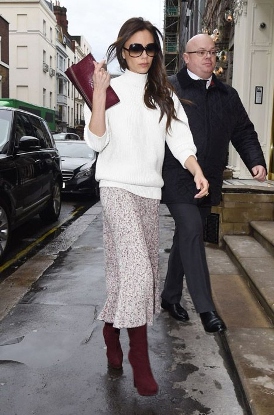 L'ancienne Spice Girl et styliste, Victoria Beckham arrive à sa boutique londonienne, le 12 décembre 2014