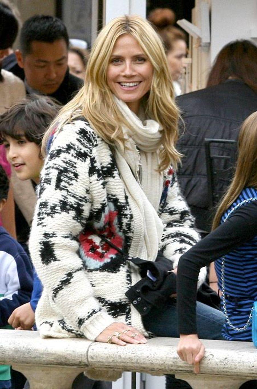 Le mannequin Heidi Klum profite de moments en famille à Los Angeles, le 20 décembre 2014