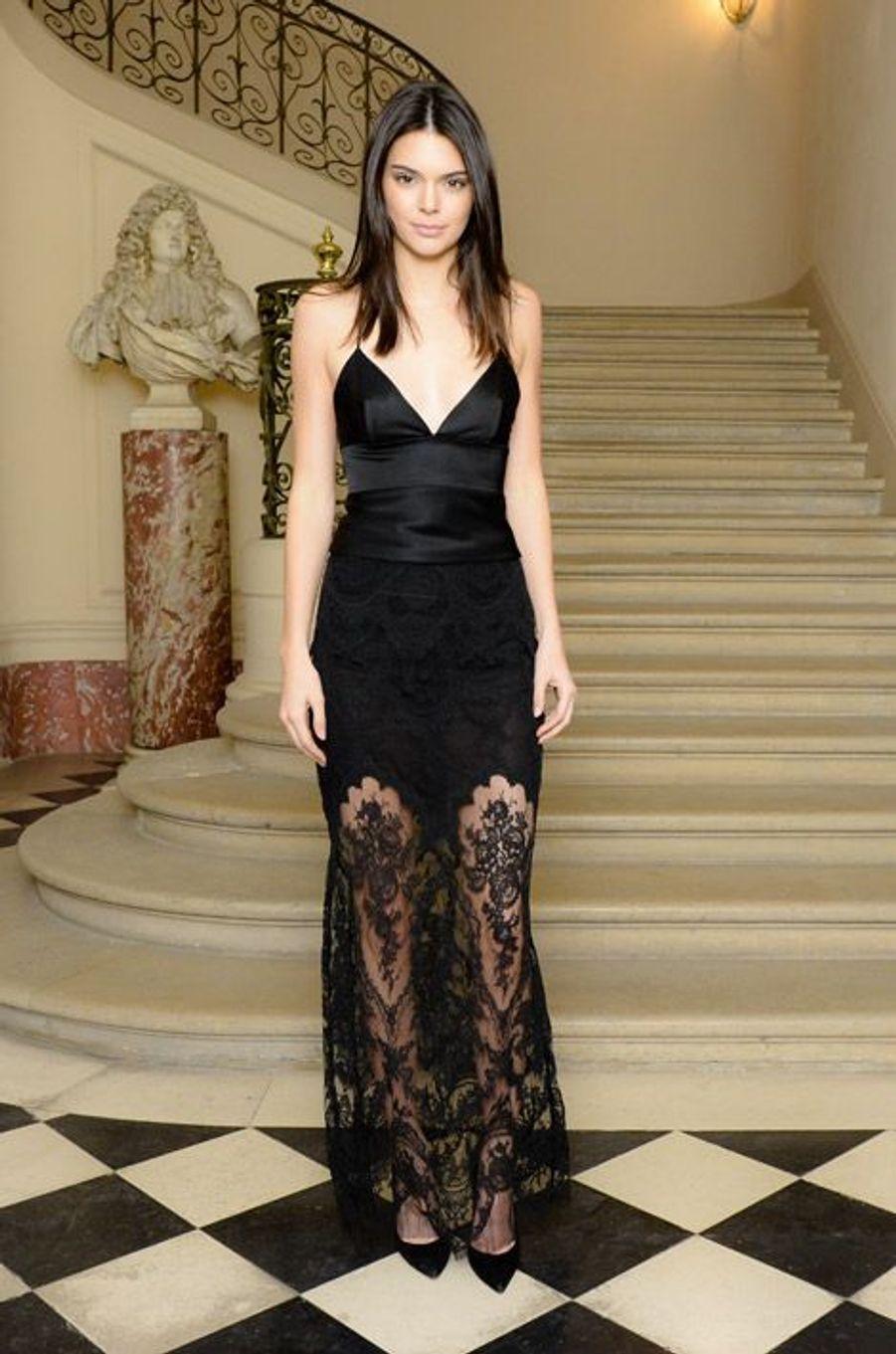 Le mannequin Kendall Jenner lors d'une soirée à Paris le 6 mars 2015