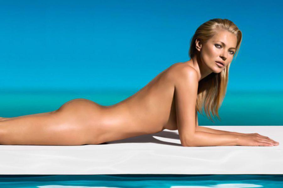 A 39 ans, l'Anglaise règne encore dans la mode. Elle a fait sensation cette année en posant pour «Playboy» ou encore en apparaissant nue pour la marque d'autobronzants St Tropez. Elle a aussi prêté son image à Versace et a participé à plusieurs projets artistiques.