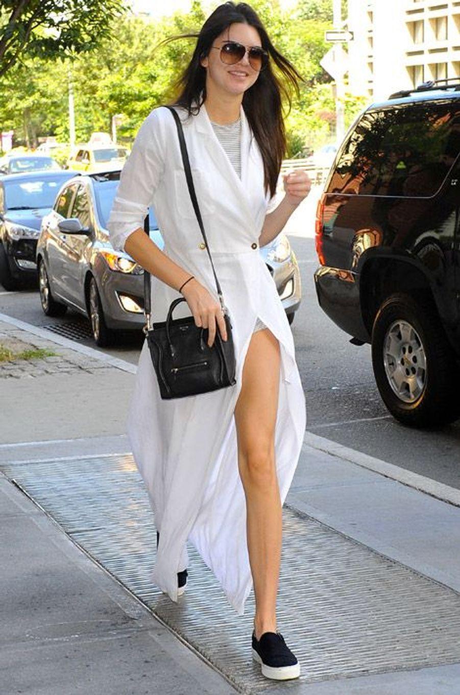 Le mannequin Kendall Jenner à la sortie d'un restaurant de New York le 31 août 2014