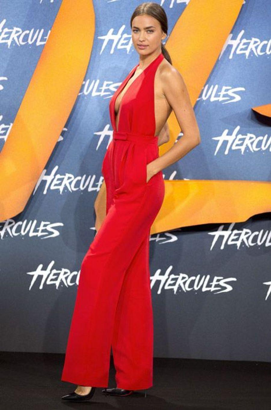 Le top Irina Shayk lors de la première du film Hercule à Berlin, le 21 août 2014
