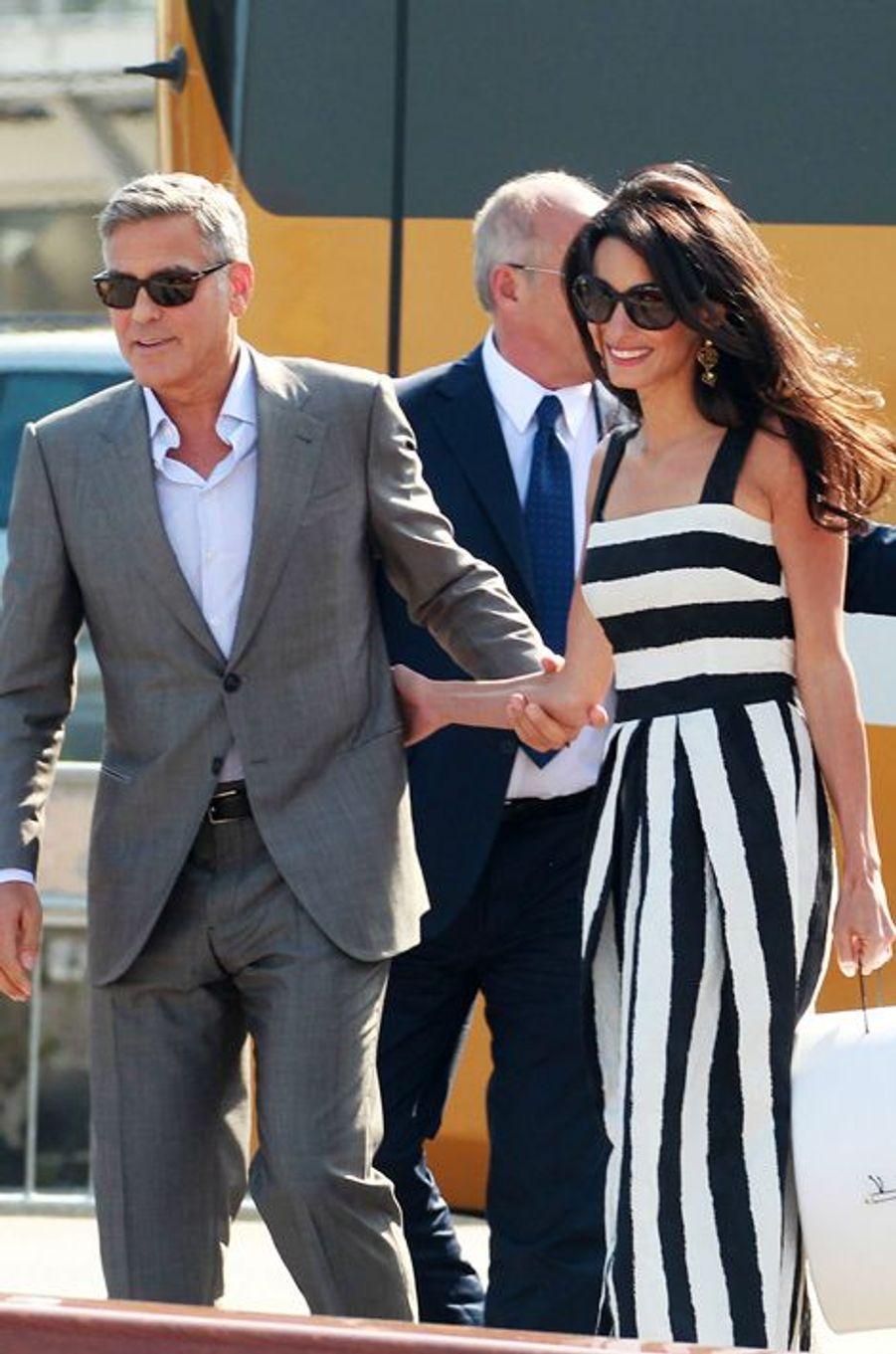 Les tenues portées par Amal Alamuddin avant son mariage à George Clooney (ici, Dolce & Gabbana)