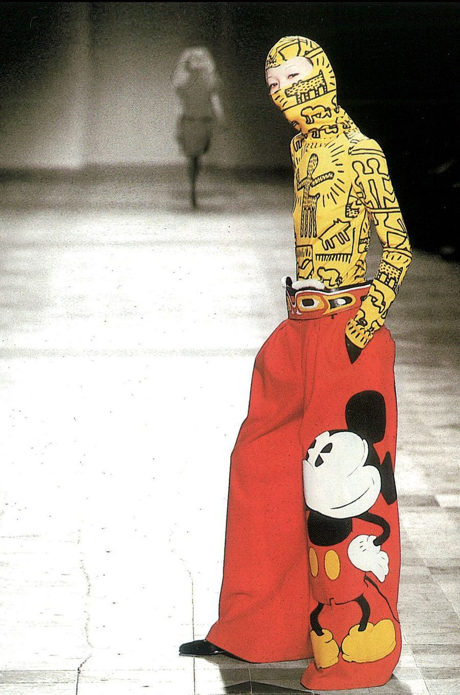 Collection Automne-Hiver 2002-2003, inspirations Keith Haring et Mickey.