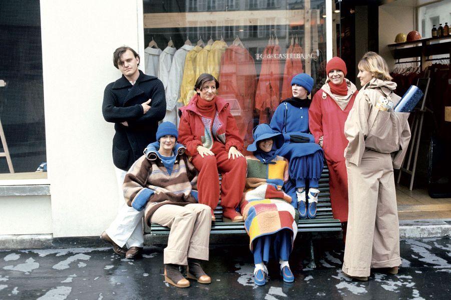 En 1976, Jean-Charles de Castelbajac en face de sa première boutique au31 Place du Marché Saint Honoré.