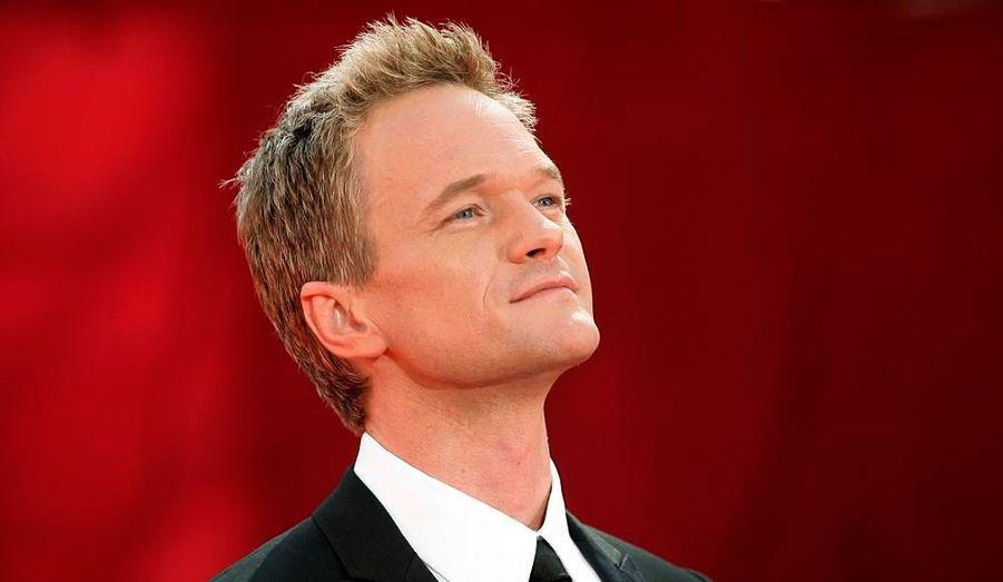 """L'acteur de """"How I Met Your Mother"""" aurait été choisi pour présenter le show le 7 septembre."""