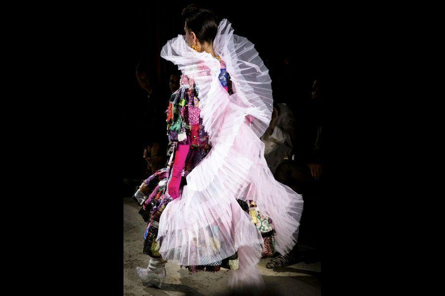 L'Espagnole Manuela Fidalgo utilise des chutes de tissus, de tulle… pour ses créations froufroutantes.