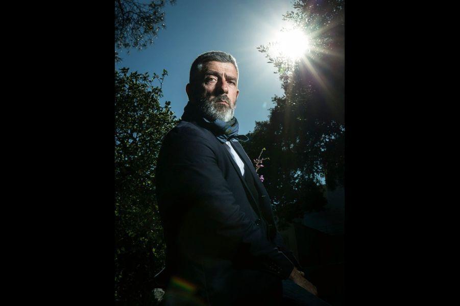 Jean-Pierre Blanc, directeur de la Villa Noailles et fondateur du festival, dans les jardins.