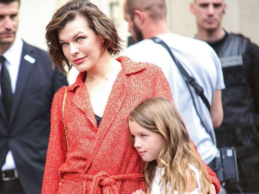 Milla Jovovich et sa fille Ever, 8 ans.