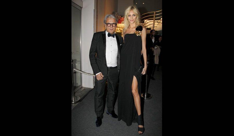 Le designer italien et la top model.