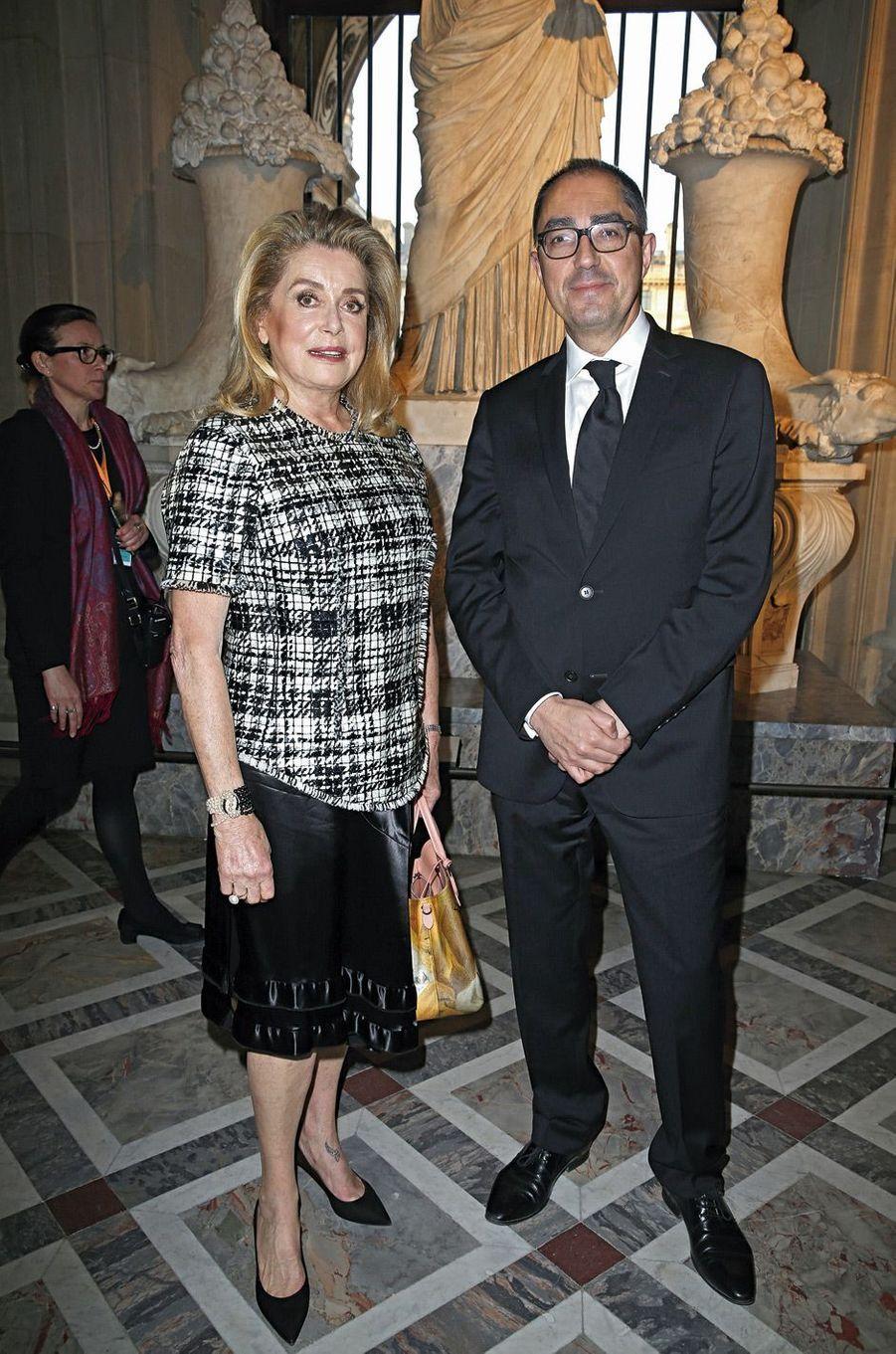 Catherine Deneuve et Jean-Luc Martinez, le « patron » du Louvre.