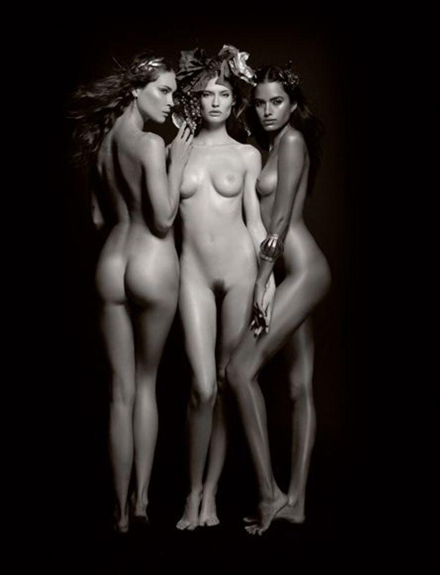 Les trois bacchantes : Erin Wasson, Bianca Balti et Lakshmi Menon