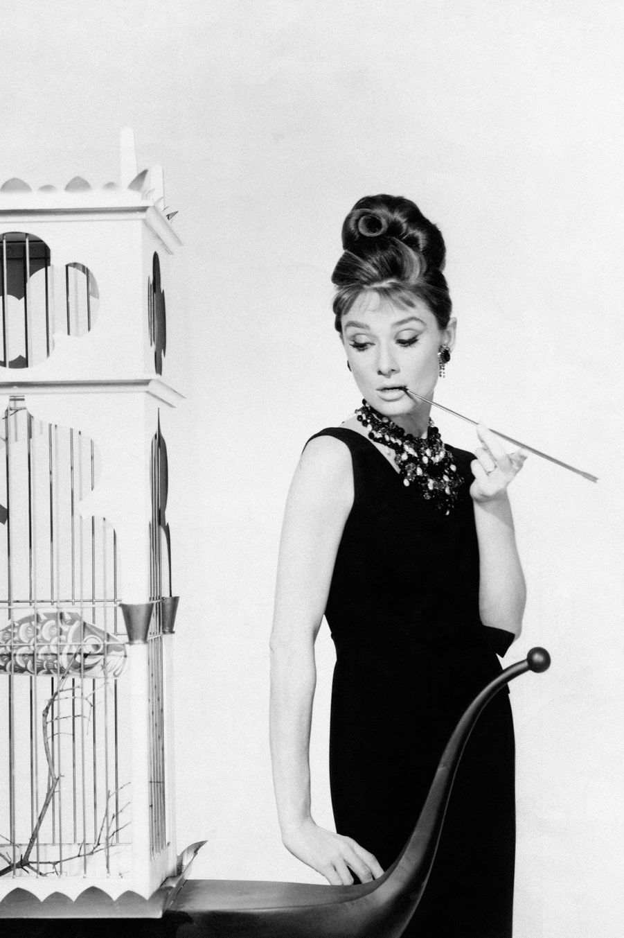 Audrey Hepburn dans Diamantssur Canapé, habillé en Givenchy