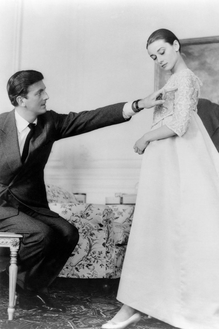 Hubert de Givenchy et Audrey Hepburn à Paris