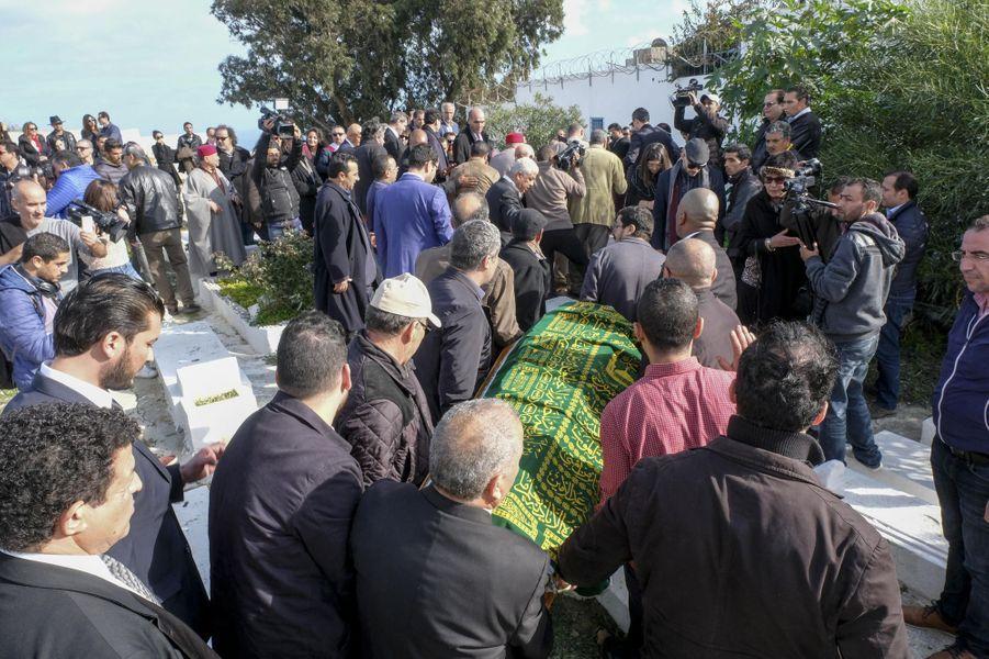 Les obsèques d'Azzedine Alaïa ont eu lieu à Sidi Bou Saïd, en Tunisie, le 20 novembre 2017.
