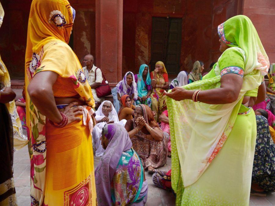 Créateur d'impact social, Olistic The Label soutient le travail des femmes en zone rurale.