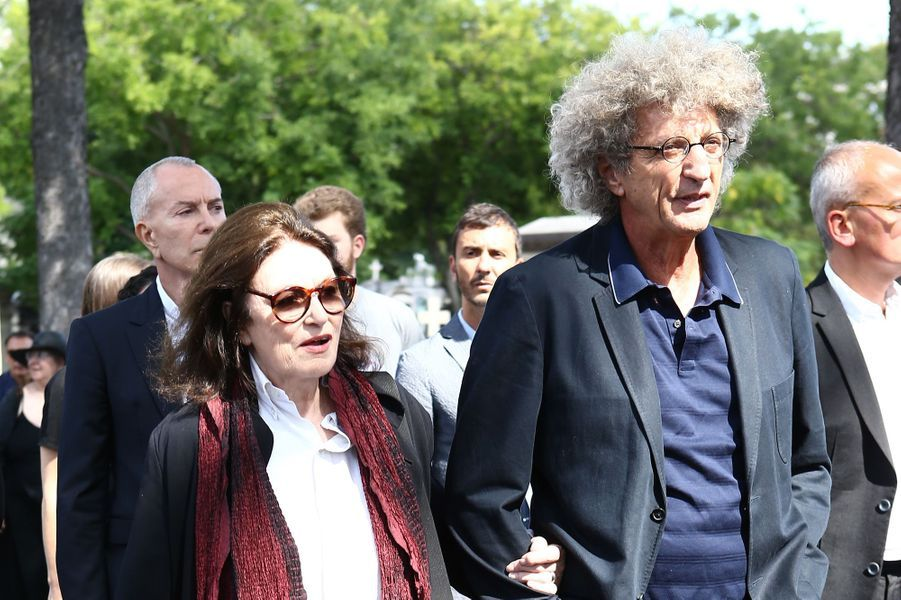 Anouk Aimée et Elie Chouraquiaux obsèques de Sonia Rykiel à Paris, le 1er septembre 2016.