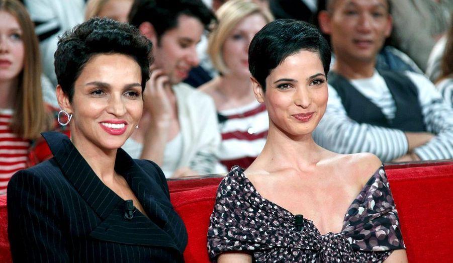 """Sur le plateau de """"Vivement dimanche"""", en septembre 2011, avec Farida Khelfa."""