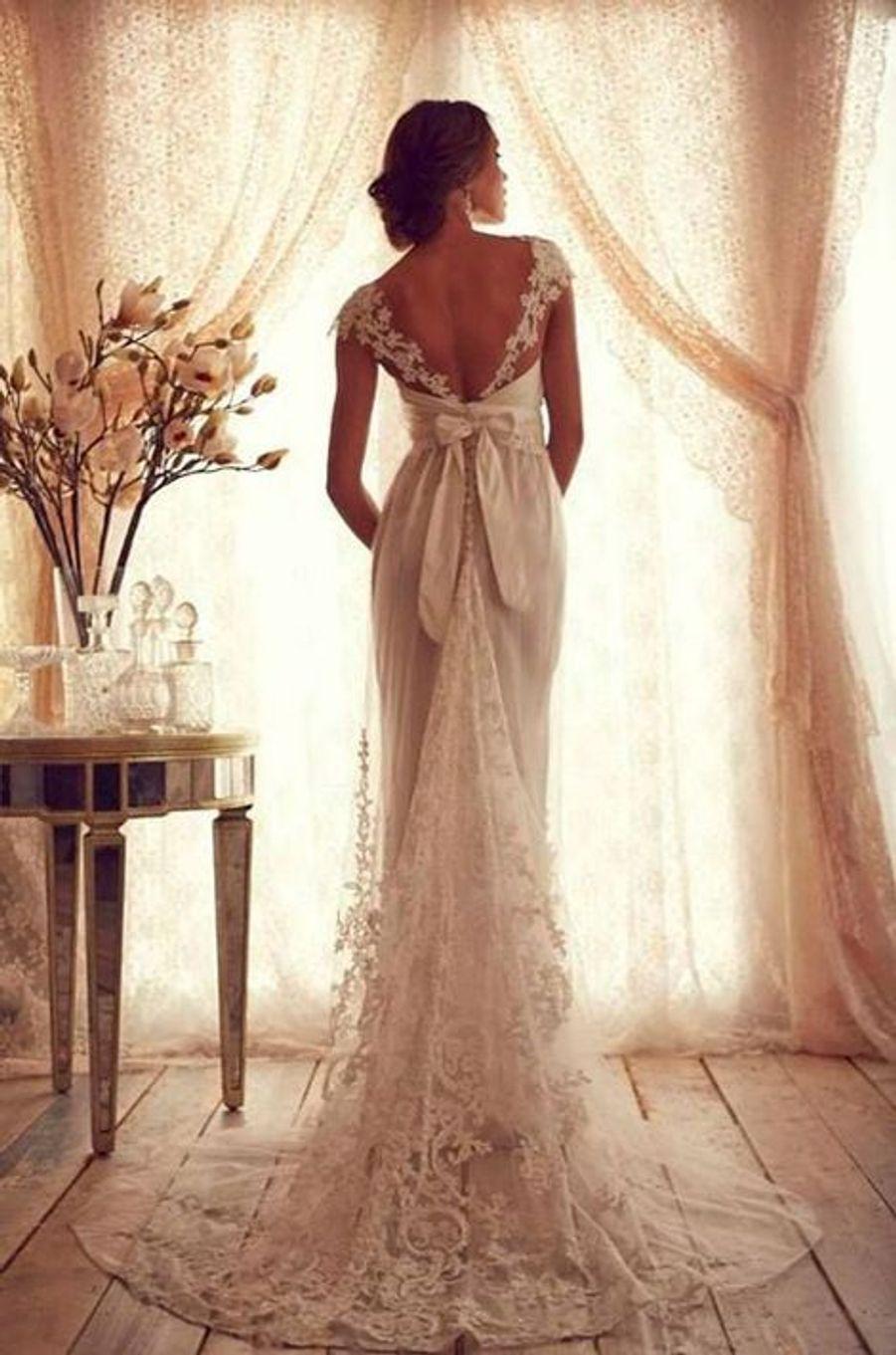 Modèle «Ruby» de la collection Gossamer, cette robe de mariée d'inspiration vintage est signée Anna Campbell. La styliste australienne s'est spécialisée dans la création de robes de mariée.