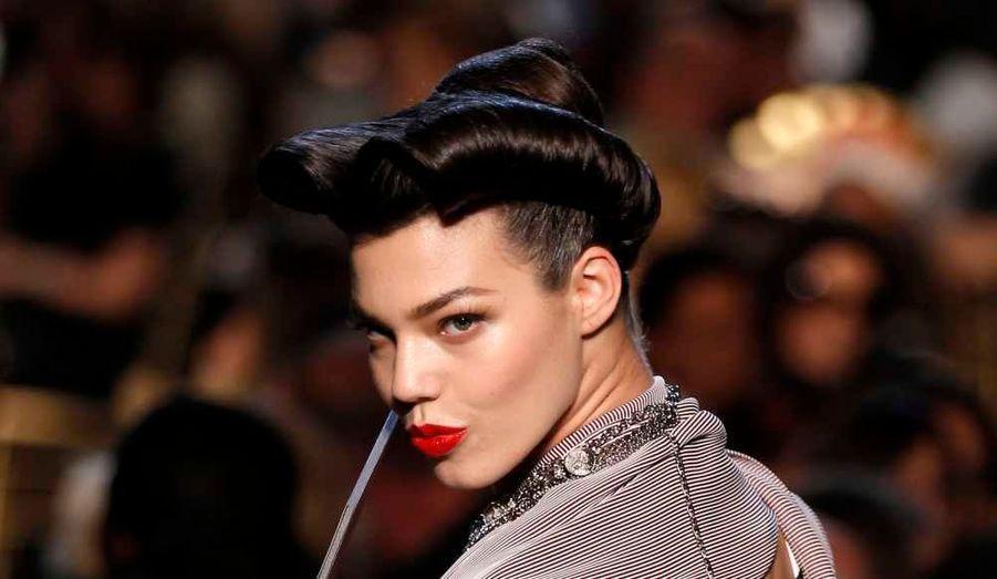 En marge de la présentation des collections de prêt-à-porter Printemps-Ete 2012, la fashion week est aussi l'occasion de repérer les tendances, que ce soit en matière de maquillage ou de coiffures. Du plus classique au plus original, il y en a eu pour tous les goûts à Paris.