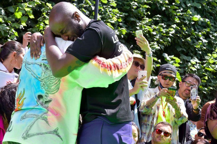 Virgil Abloh dans les bras de Kanye West