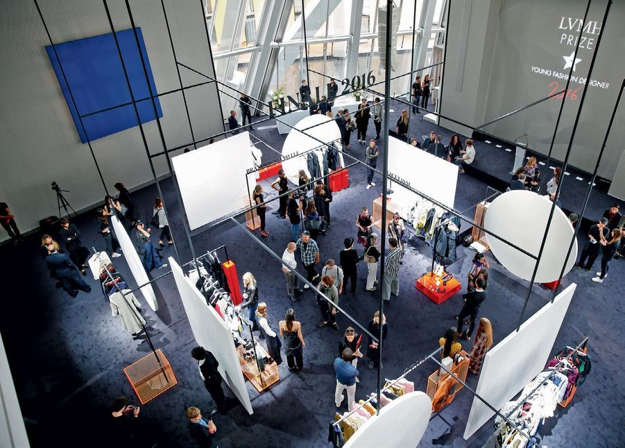 Le showroom, le jour de la finale, en présence des huit finalistes.