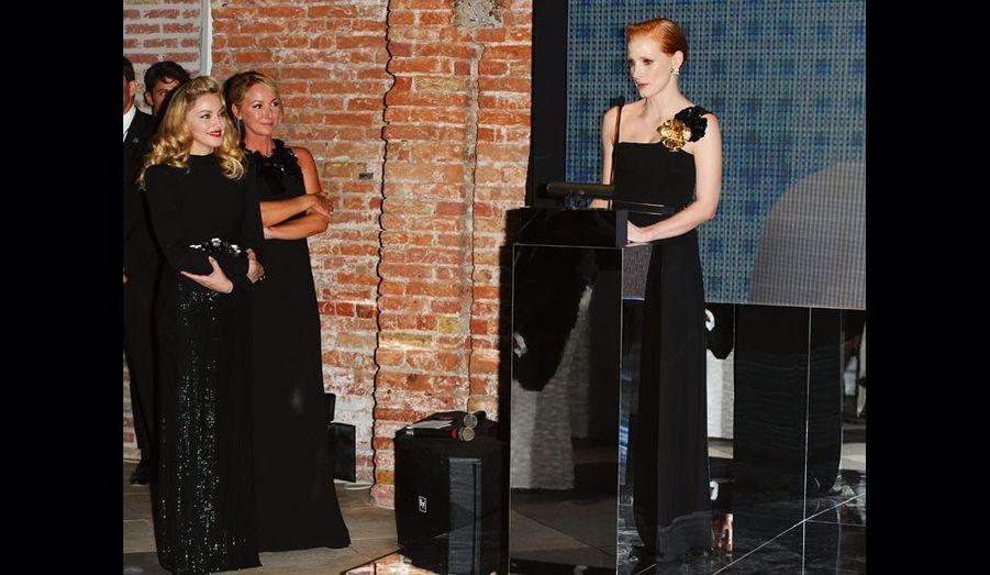 Madonna et Frida Giannini écoutent Jessica Chastain, révélation de l'année dans le film de Terrence Malick.