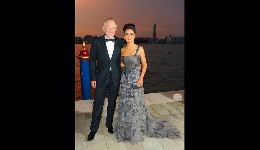 Salma Hayek et François-Henri Pinault, sur l'embarcadère de l'hôtel Cipriani.