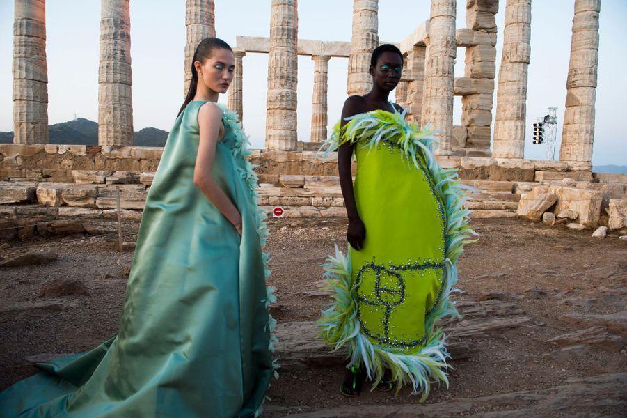 Jeudi 3 octobre, au Temple de Poséidon près d'Athènes, Mary Katrantzou présente son défilé Printemps-Eté 2020.