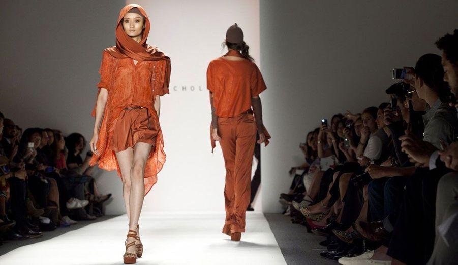 Le créateur Christopher Kunz et sa soeur Nicholas, ont préféré des formes amples pour la nouvelle ligne de leur marque Nicholas K.