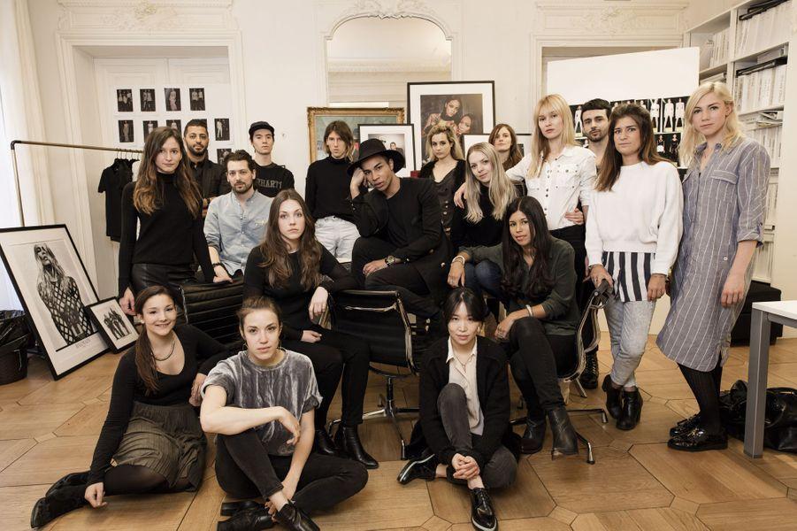 Avec son équipe, dans l'atelier de la rue Pierre-Charron.