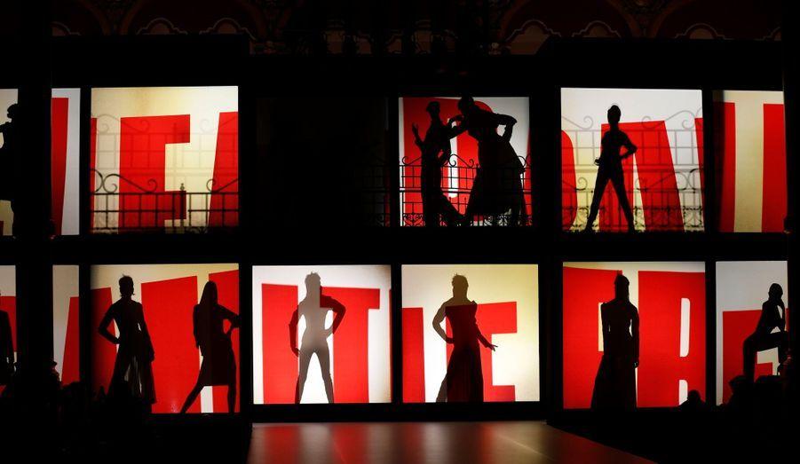 Ce weekend, la Fashion week de Paris n'a pas fait de pause pour la présentation des collections Automne-Hiver 2013-2014, au contraire. De grands noms ont défilé, parmi lesquels Jean-Paul Gaultier, Vivienne Westwood ou encore Givenchy. Best-of.