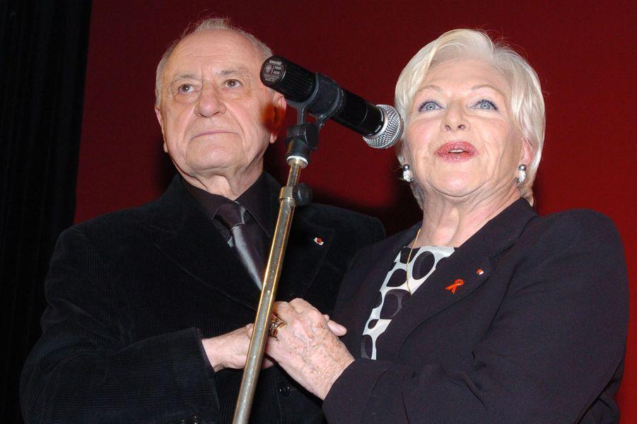 Pierre Bergé et Line Renaud lors du 10e anniversaire de l'association «Ensemble contre le sida», le 21 janvier 2004.