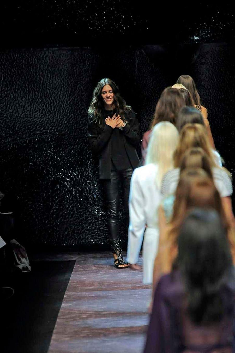 La styliste cosmopolite (elle est Allemande, mais a des origines colombiennes et a vécu entre l'Europe et l'Amérique du Sud, avant de s'installer à Paris), a remplacé Manish Arora à la direction artistique du prêt-à-porter de la maison française. Celle qui avait fait ses armes chez Yves Saint Laurent et Givenchy, avait déjà été promue à la direction du Studio Paco Rabanne en novembre 2011.