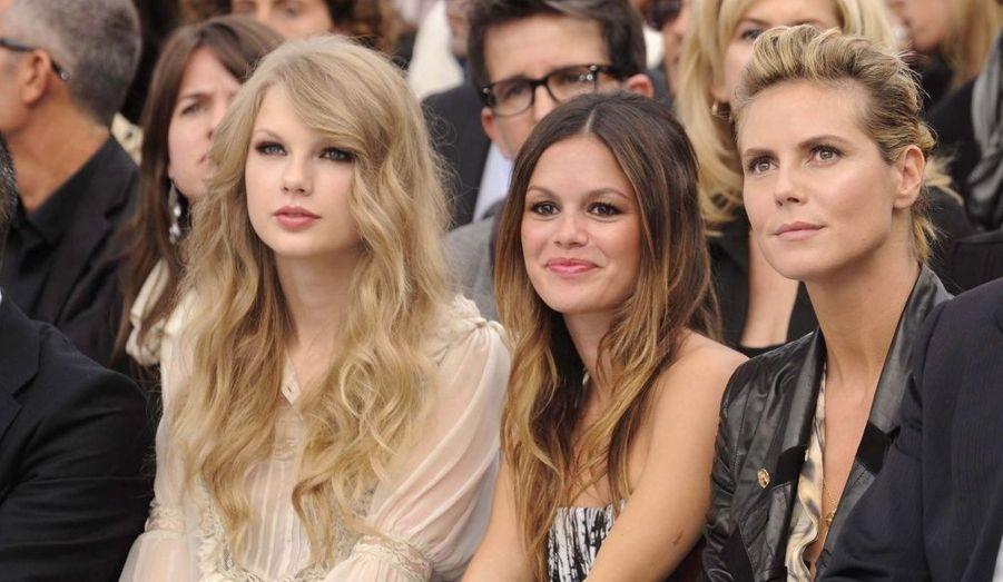 La chanteuse Taylor Swift, l'actrice Rachel Bilson et le mannequin Heidi Klum.